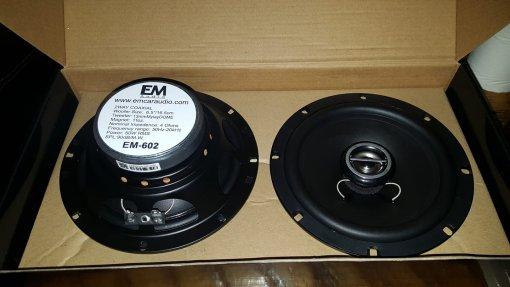 EM-692 6×9